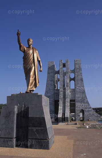 Nkrumah Mausoleum, statue of Kwame Nkrumah