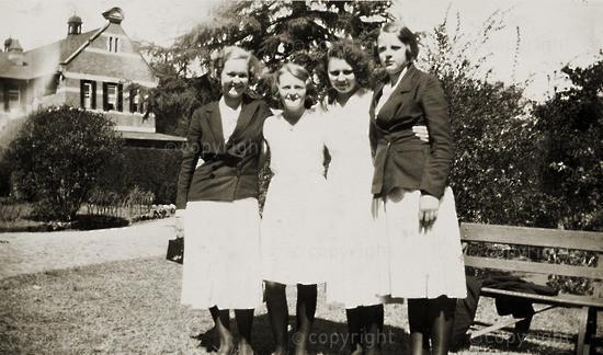Gang time - Helen Platt, Peggy Stone, Josephine Ross & Molly Fannin