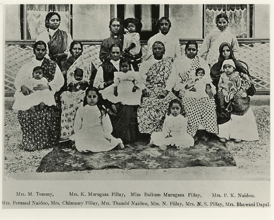 NFC_C1005: Photograph: Women Involved in the Passive Resistance Camapign